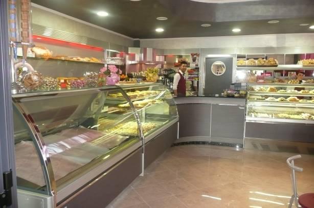 Vendita per a roma italia for Arredamenti per gelaterie