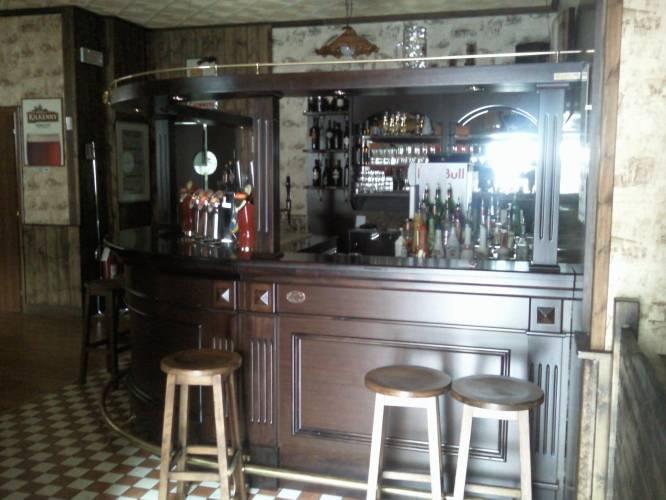 Vendita usato arredamento pub birreria usato per usato a for Arredamento bar tabacchi usato